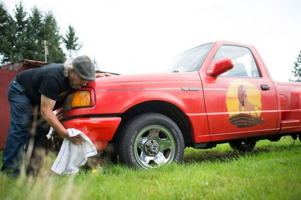 Edward-Smith-seen-cleaning-and-polishing-the-front-of-Splash-his-Ford-Ranger-in-Yelm-Washigton-D-C-Edward-Smith-aged-2357090-620x412